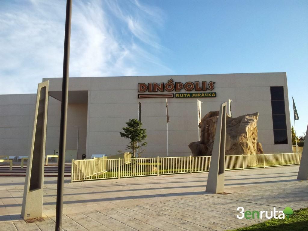 Dinopolis