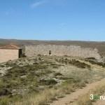Ermita y restos de fortificación