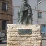 Estatua dedicada a Juan de Heredia en Alfambra