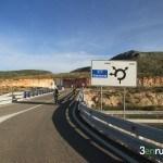 Último tramo de carretera que nos llevará al inicio de la senda