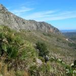 Subida a la Cueva de Bolumini desde la explanada