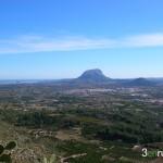 Vista del Montgo desde la Cueva de Bolumini