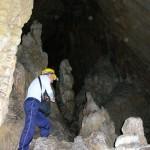 Subida a la segunda galería de la Cueva de Bolumini