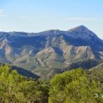 Vista de la Sierra del Cid desde el sendero