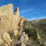 Indicador del PR en la cresta de la Sierra del Fraile