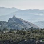 Vista del Castillo de Cocentaina desde la pista de subida