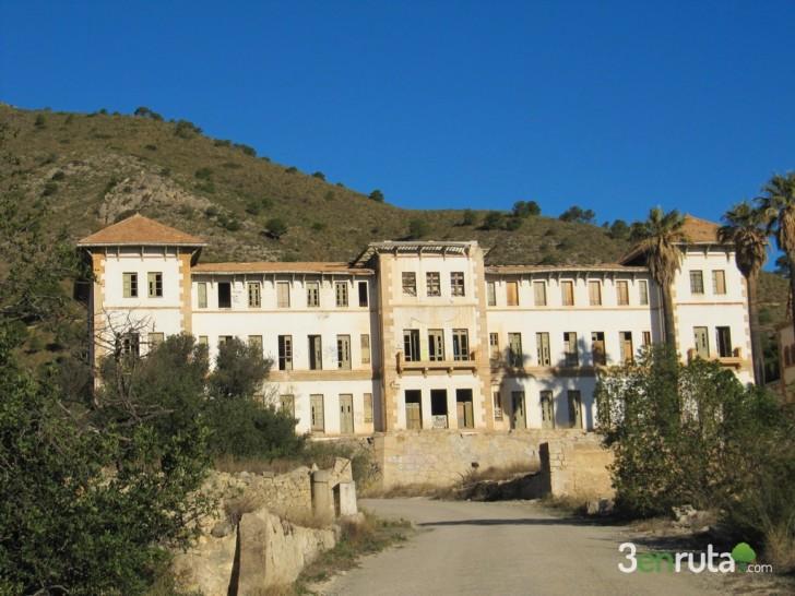 Balneario de Aigües de Busot – Cova les Dones  (Alicante)