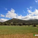 """Vista del """"Castell de Mariola"""" desde la senda"""