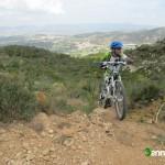 La senda desemboca en el Camí de la Ombria del Benicadell