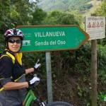 Entrada a la población de Villanueva