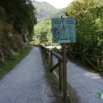 En la bifurcación tomaremos el camino de Valdemurio