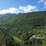 Vistas desde la carretera subiendo a Lago de Valle