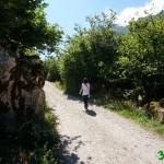Subiendo por la pista hacia el Lago del Valle