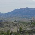 El Castillo de Penella con la Serrella al fondo