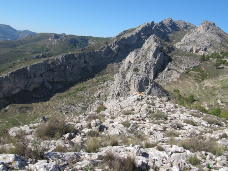 Ruta de senderismo desde Beniardà a la Mallà del Llop por la Canal de la Serrella