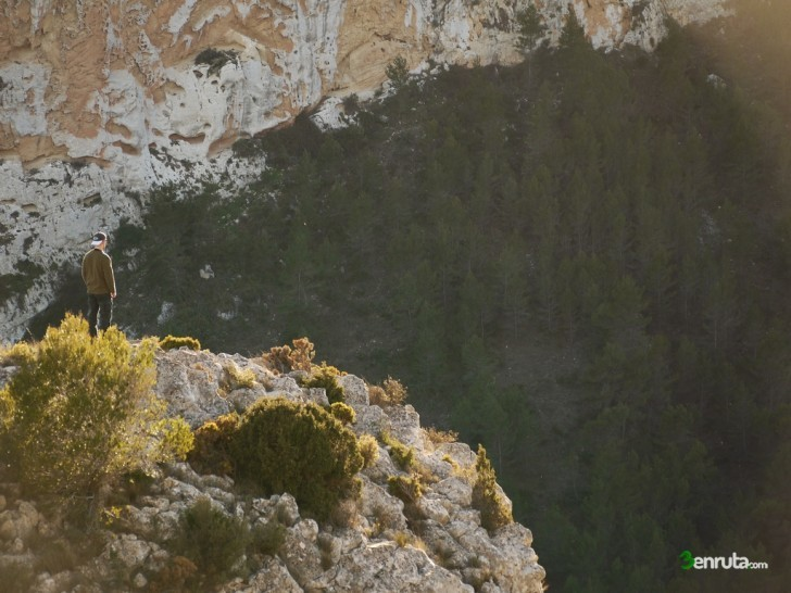 Pico de les àguiles – Collao d'en Sabata – Barranc del Cint (Alcoi)