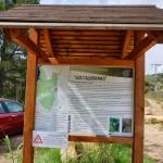 Panel indicador de la ruta de los Calderones