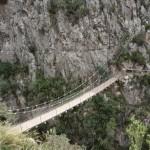El primer puente colgante