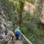 Escaleras hacia el lecho del rio