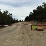 Barrera de entrada a las pistas de esquí por la parte trasera