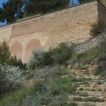 Último tramo de escaleras antes de llegar a la parte superior del embalse