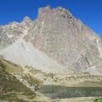 Midi d'Ossau y lago Pombie desde el collado de Soum