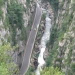 Vista de la carretera y el río
