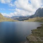 Lago de Gentau con el Midi d'Ossau al fondo