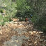 En pequeños tramos no hay mas remedio que portear la bici