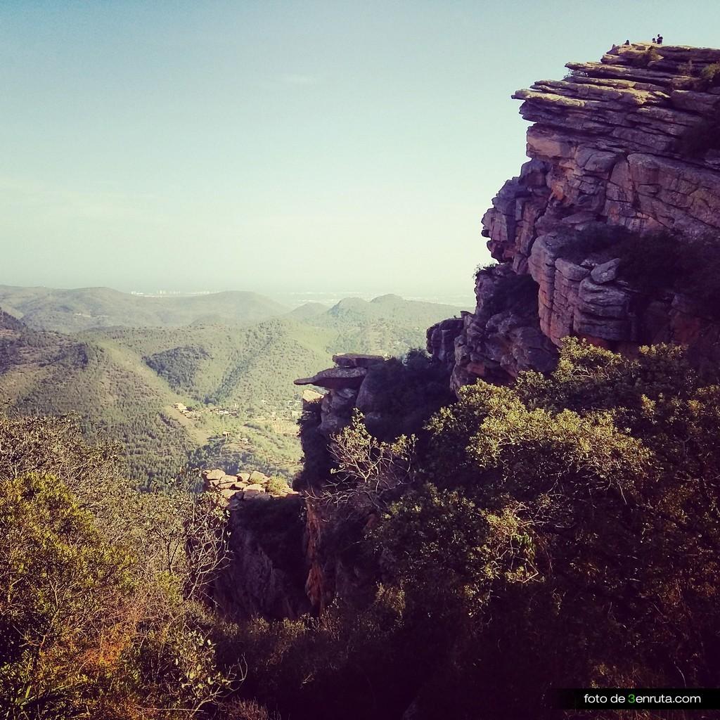 Las formaciones de roca del rodeno del Garbí son espectaculares