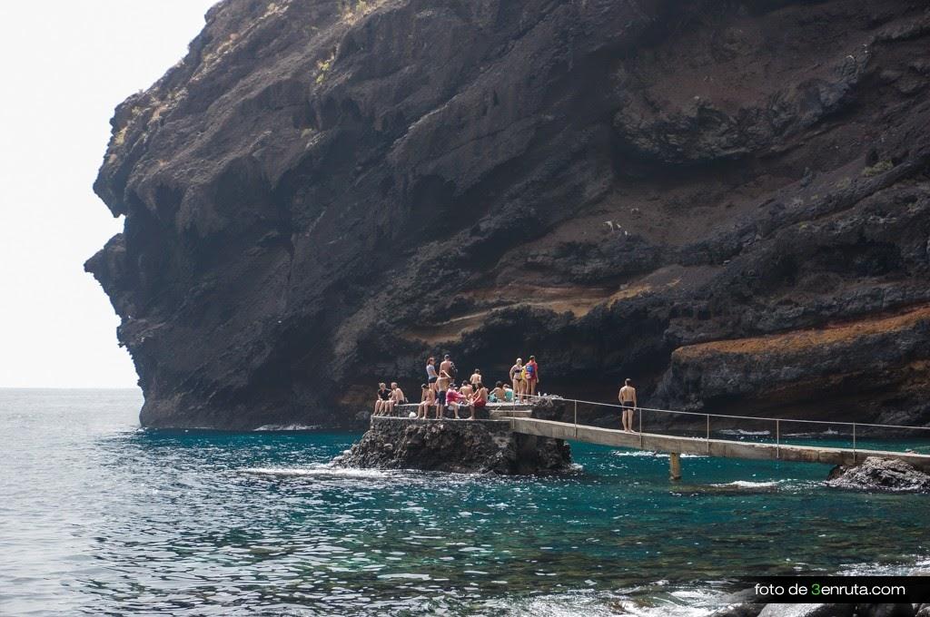 El embarcadero de la playa de la Masca es ideal para zambullirse en el mar