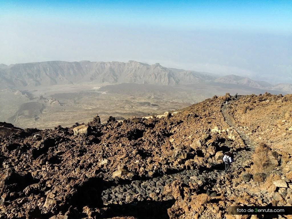 Camino al Mirador de Pico Viejo en el Teide