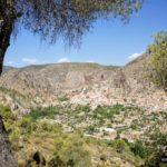Vista de Ayna durante el camino de ascenso
