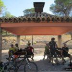 Llegamos al el área recreativa del Santuari de la Mare de Deu de Gracia y almorzamos allí