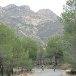 Finalizamos la bajada en una pequeña carretera comarcal
