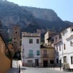 Salimos del casco urbano por la Carretera del Castillo de Xàtiva