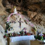 Altar y virgen de la Cova dels Coloms