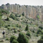 Iniciamos el descenso desde el Peñarroya hacia Fuentes de Rubielos