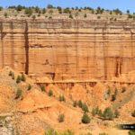 Detalle de las paredes del Cañón Rojo del barranco de Valdeciervos