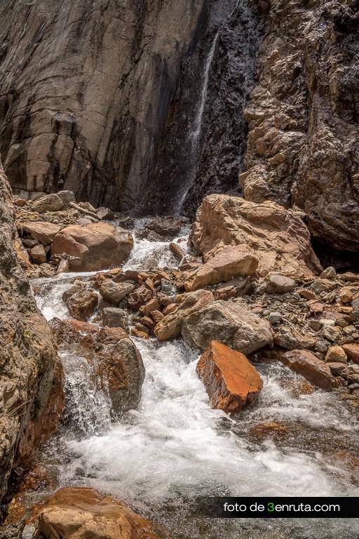 Cascada del ibón de Millars