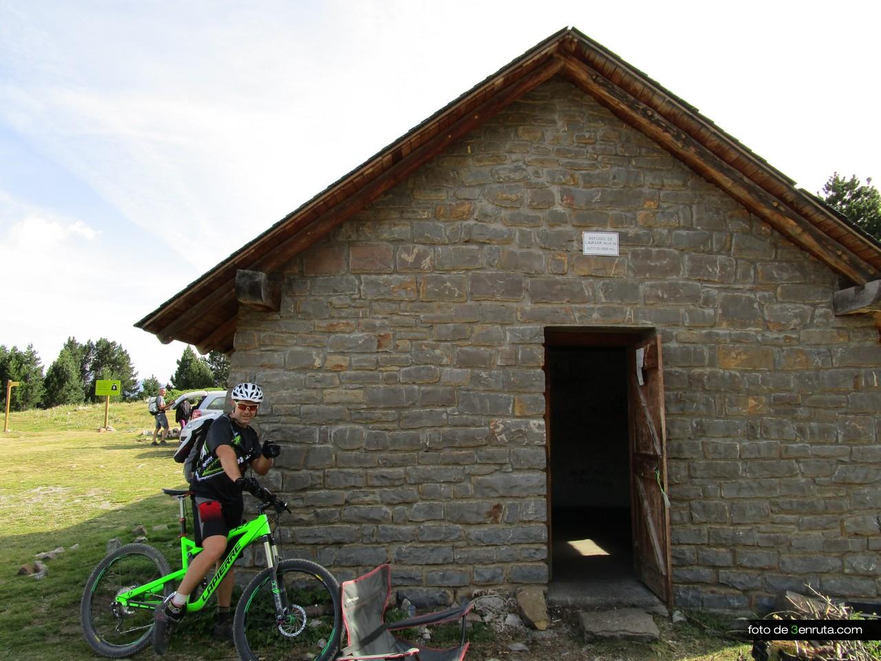 Refugio de Lavasar