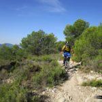 """Iniciamos la bajada desde L'Alt de les Pedreres en dirección a """"La Creu"""" de la Ermita de Sant Cristòfol"""