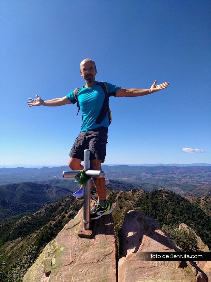 Gabi en el pico de Espadán