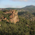 Vistas desde la pista con el Cerro de San Ginés al fondo