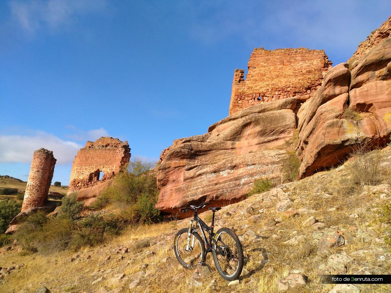 Muros del Castillo de los Ares