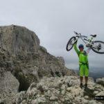 Rubén en lo alto del Pass de la Rabosa con Forata al fondo