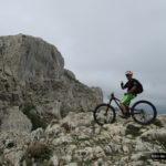 Gabi en lo alto del Pass de la Rabosa con Forata al fondo
