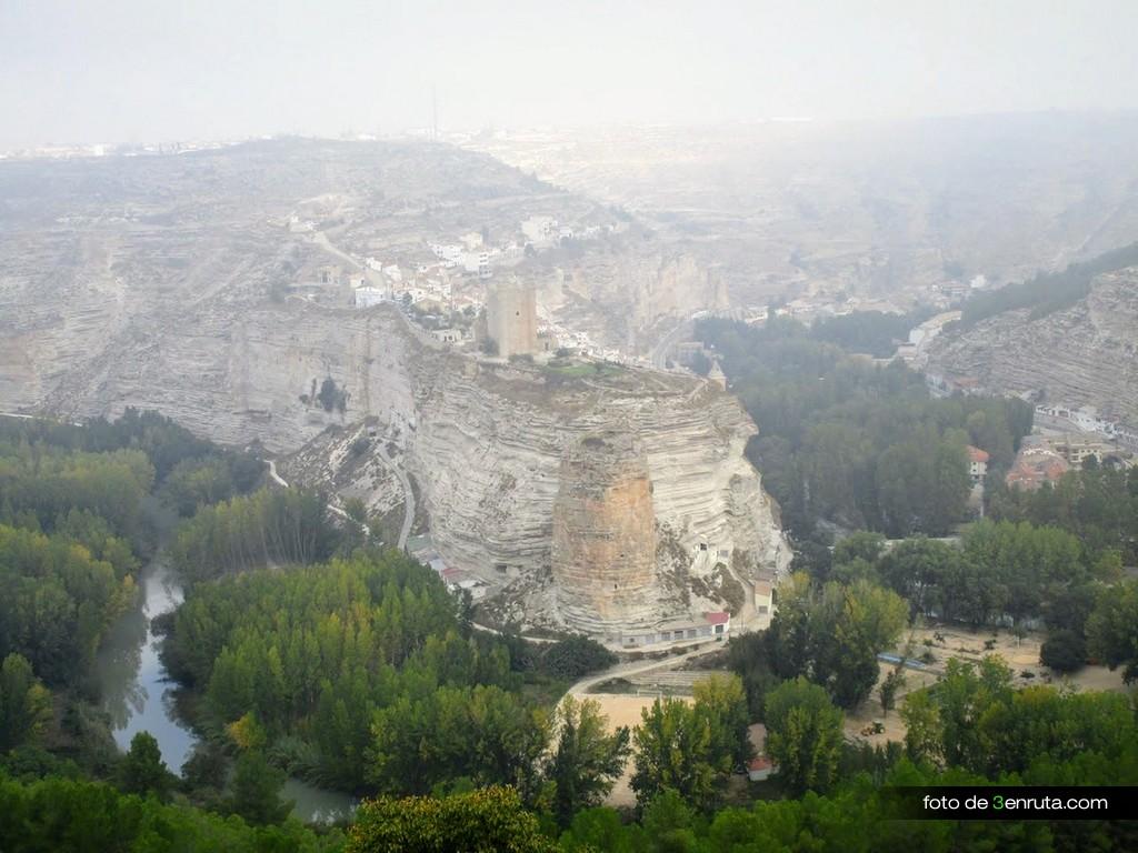 Vista de Alcalá del Jucar desde la subida