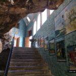 Escaleras de la Cova Santa