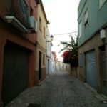 El sendero desemboca en la Calle Vista Alegre y desde aquí volveremos al punto de inicio de la ruta